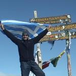 Νίκος Μιχαλόπουλος: Η ελληνική σημαία στο υψηλότερο βουνό της Αφρικής